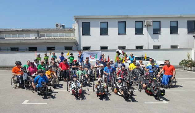 Drustvo paraplegikov Gorenjske,para kolesar